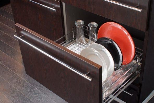 сушилка в нижнем шкафу