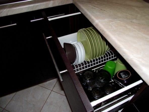 сушилка в выдвижном шкафу
