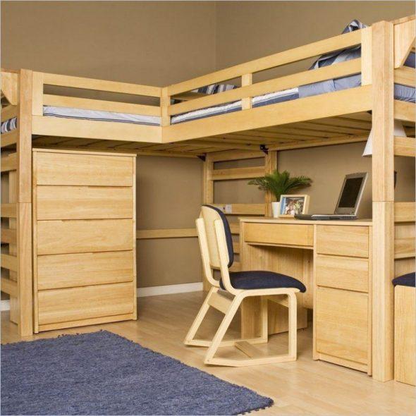 Удобная кровать-чердак из дерева своими руками