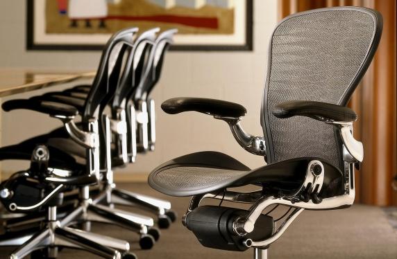 удобные офисные кресла