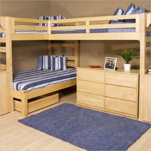 Угловая двухъярусная кровать