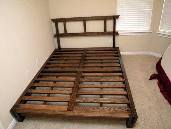 вариант кровати из ДСП
